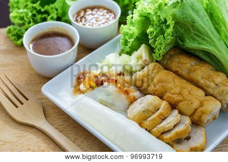 .nam Neung Is Vietnamese Food, Meatball Wraps Pour Sauce