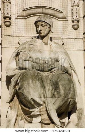Gunnery statue