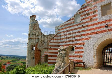 The ruins of a fortified castle Janowiec