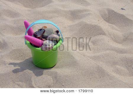 Beach Bucket 01