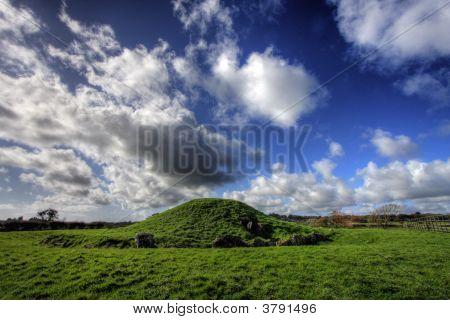 Bryn Celli Ddu Neolithic Burial Ground