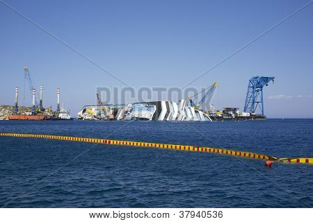 Costa concordia disassembly shipyard