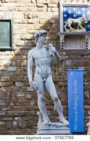 Michelangelo s sculpture of David