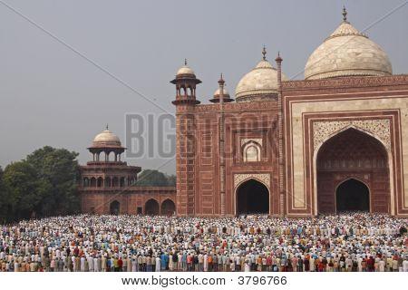 Prayers At The Taj Mahal