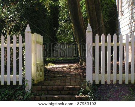 Williamsburg Gate (horizontal)