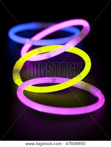 Glow sticks of round shape