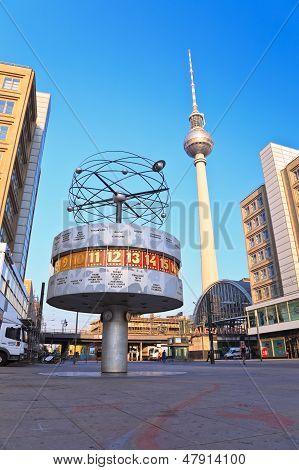Alexanderplatz Tv tower and world clock