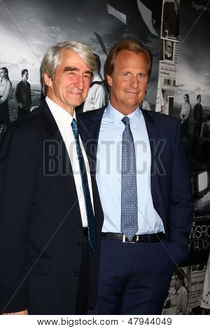 LOS ANGELES - JUL 10:  Sam Waterston, Jeff Daniels arrives at the HBO series
