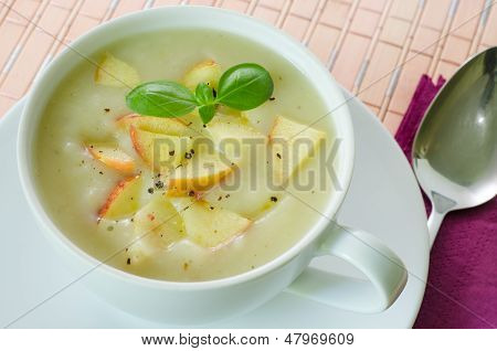 Potato and apple soup