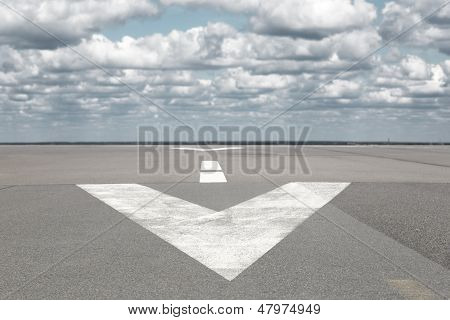 Runway Arrrow