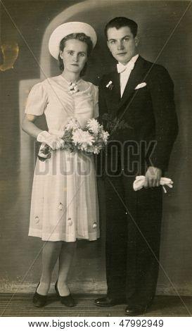 BEDZIN, Polônia, cerca de 14 de NOV 1940-vintage foto de recém-casados não identificados, Bedzin, Polônia, cerca de 14