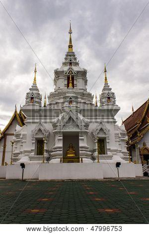 Chedi im Wat Kongkaw In Doi Lo, Chiangmai Thailand