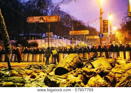 Bbc Reporters In Front Of The Riot Police In Kiev