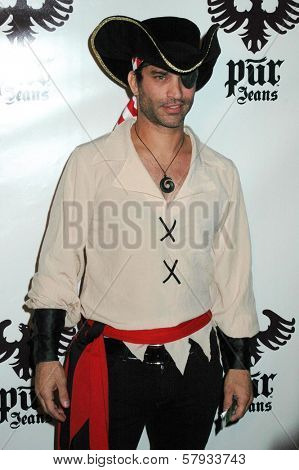 Johnathon Schaech  at the Pur Jeans Halloween Bash. STK, Los Angeles, CA. 10-31-08