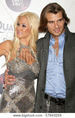 Shauna Sand and Romain Chavent  at a Special Screening of 'Quantum of Solace'. Sony Pictures, Culver City, CA. 11-13-08