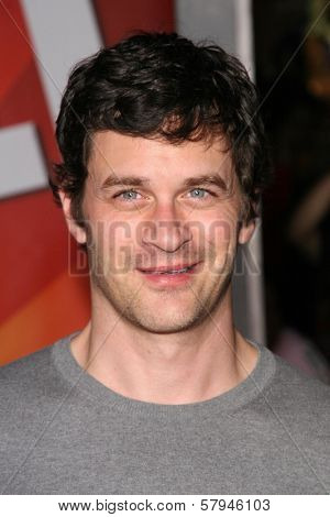 Tom Everett Scott  at the World Premiere of 'Bolt'. El Capitan Theatre, Hollywood, CA. 11-17-08