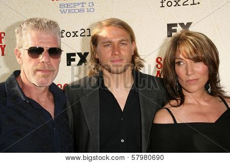 Ron Perlman with Charlie Hunnam and Katey Sagal  at the Premiere Screening of 'Sons of Anarchy'. Paramount Theater, Hollywood, CA. 08-24-08
