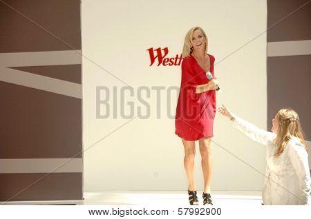 Jenny McCarthy  at the 'Style Showcase' Fashion Show. Westfield Topanga, Canoga Park, CA. 09-06-08