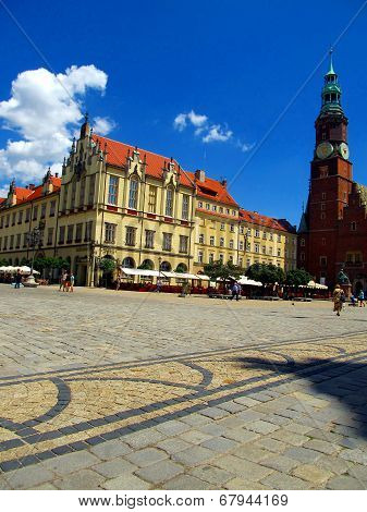 Market In Wroclaw, View From Below On A Colorful Houses. Wroclaw,