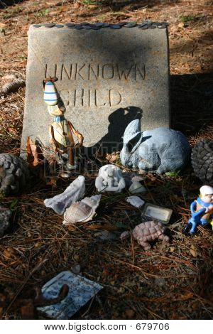 Unknown Child Grave