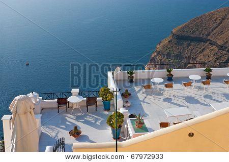 Santorini, A Cafe Overlooking The Sea
