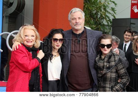 LOS ANGELES - DEC 5:  Gena Rowlands, Alexandra Cassavetes, Nick Cassavetes, Zoe Cassavetes at the Gena's Hand and Foot Print Ceremony at the TCL Chinese Theater on December 5, 2014 in Los Angeles, CA