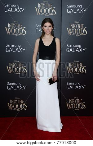 NEW YORK-DEC 8: Actress Anna Kendrick attends the