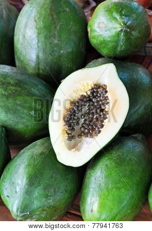 Green Papaya Fruit & Seeds