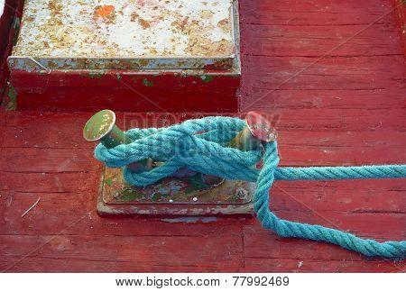 Mooring node closeup on wooden deck