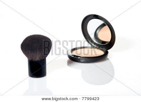 make up with brush