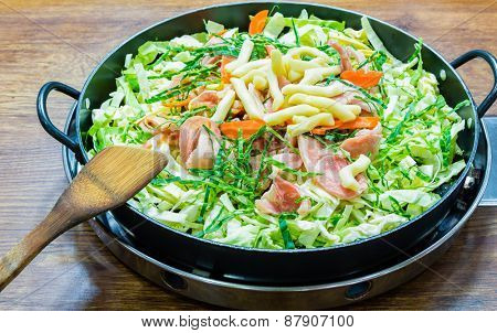 Meat vegetable stir-fry