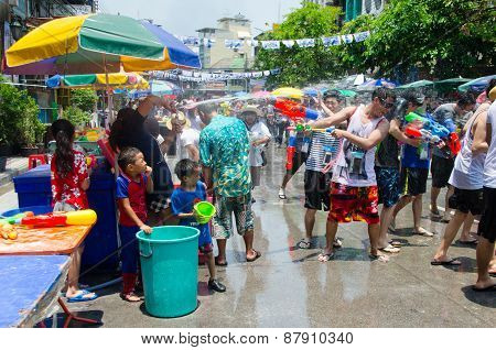 Songkran Battle