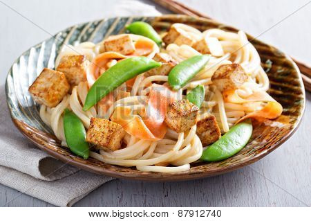 Rice noodles with tofu and carrot
