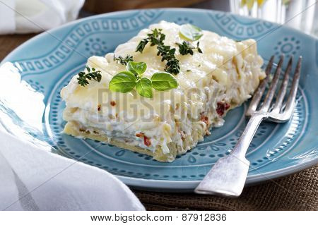 White chicken cheese lasagna