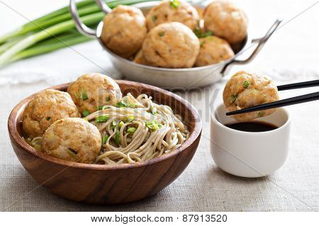 Soba noodles with chicken meatballs