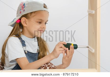 Child Screwed Fastening Wooden Cabinet