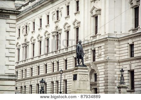 Robert Clive's Statue And Churchill War Rooms