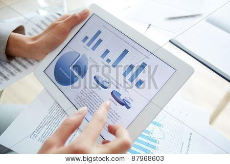 Information upon business activity in electronic document and female hand over it