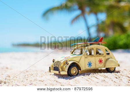 Auto toy in the beach