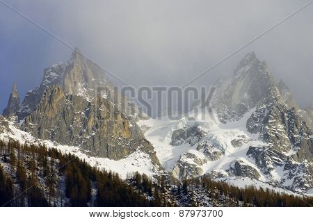 Grands Charmoz, to the left, 3445 m, and Aiguille du Blaitiere, 3522 m, Aiguilles du Chamonix, Mont Blanc Massif, Alps, Chamonix, France