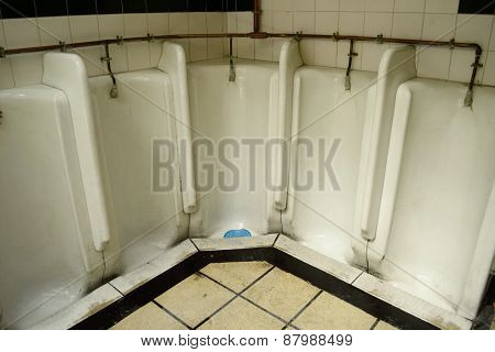 Gentlemen toilet