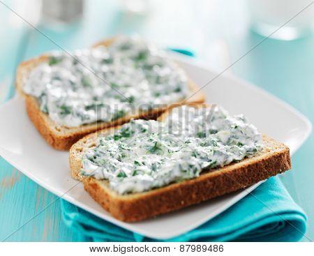 spinach cream spread on toast