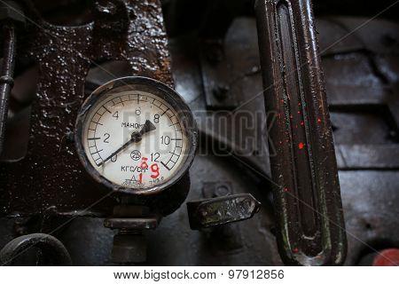 Locomotive's manometer 1