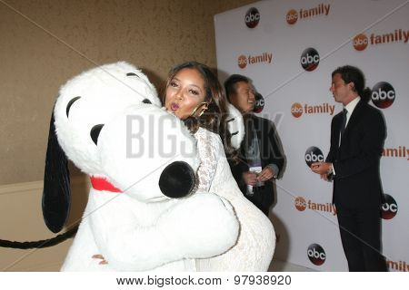 , LOS ANGELES - AUG 4:  Snoopy, Tamala Jones at the ABC TCA Summer Press Tour 2015 Party at the Beverly Hilton Hotel on August 4, 2015 in Beverly Hills, CA
