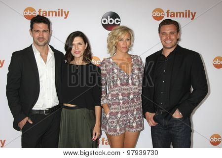 , LOS ANGELES - AUG 4:  Ryan Paevey, Finola Hughes, Laura Wright, Billy Miller at the ABC TCA Summer Press Tour 2015 Party at the Beverly Hilton Hotel on August 4, 2015 in Beverly Hills, CA