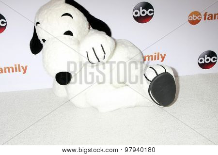 LOS ANGELES - AUG 4:  Snoopy at the ABC TCA Summer Press Tour 2015 Party at the Beverly Hilton Hotel on August 4, 2015 in Beverly Hills, CA