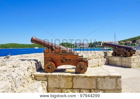 Old Guns, Korcula