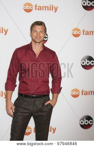 LOS ANGELES - AUG 4:  Derek Theler at the ABC TCA Summer Press Tour 2015 Party at the Beverly Hilton Hotel on August 4, 2015 in Beverly Hills, CA