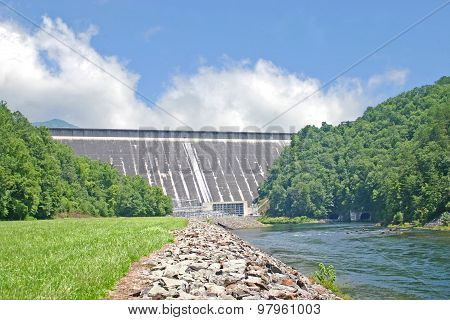 Fontana Dam (horizontal)