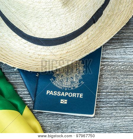 Itens for traveling, Brazilian content
